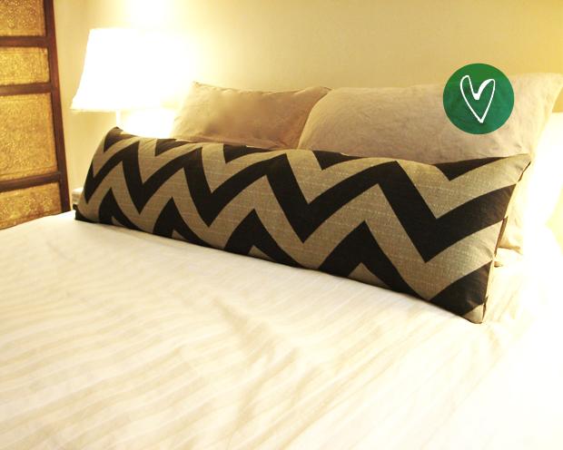 almofada decorativa cama