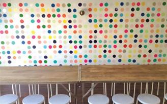 decoradornet-diy-parede-de-bolinhas-01