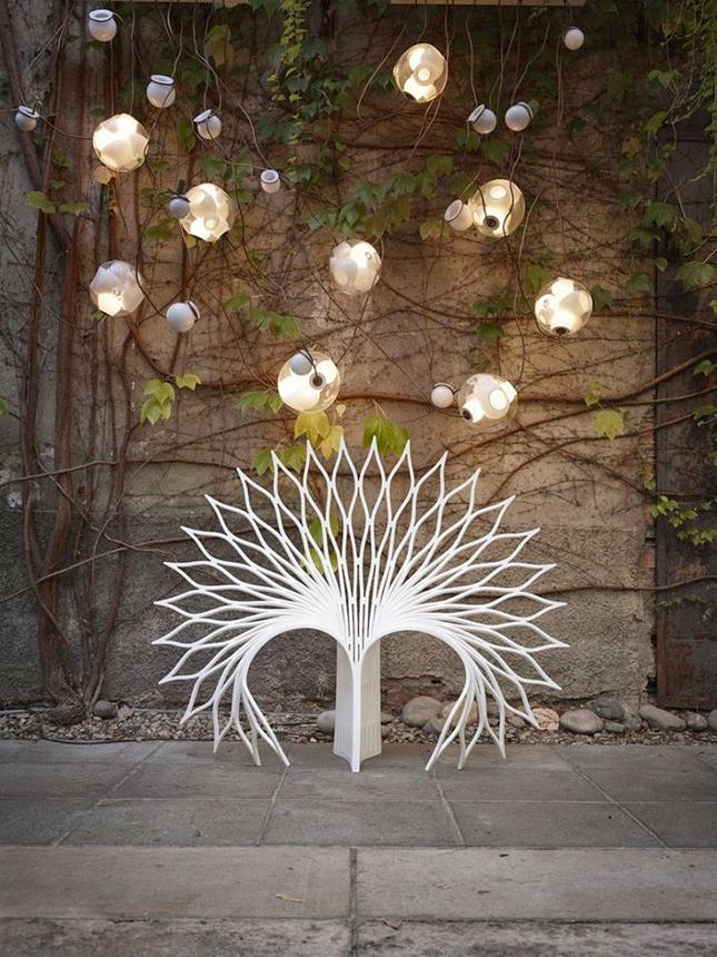 UUFIE Peacock Chair (fechada)