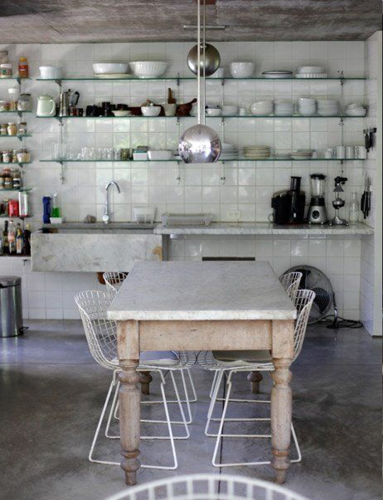 decoradornet-mistura-fina-mesa-classica-cadeira-moderna-04
