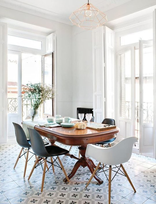decoradornet-mistura-fina-mesa-classica-cadeira-moderna-07
